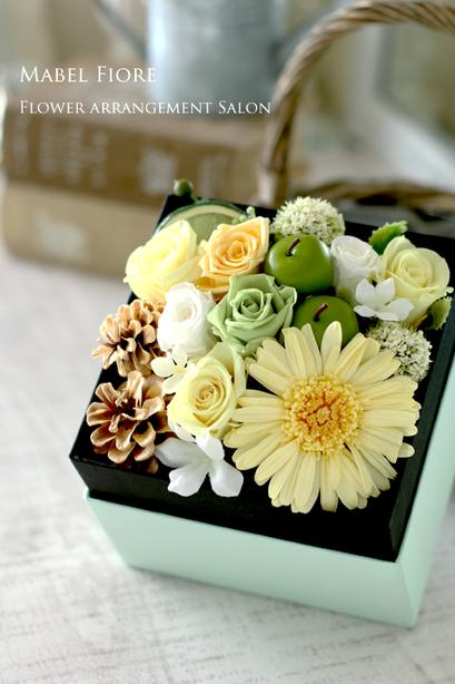 15.ボックスアレンジメント 参考価格 7,300円~ Preserved Flower