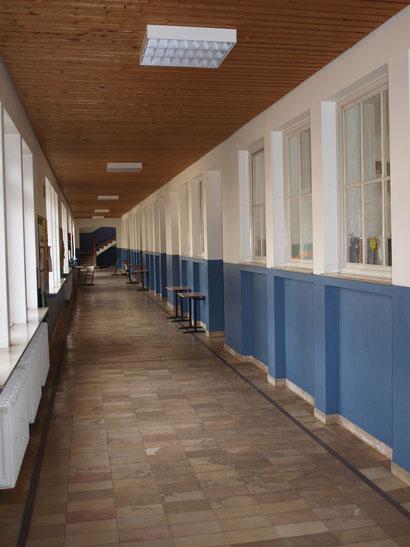 Einige unserer Klassenräume im Hauptgebäude.