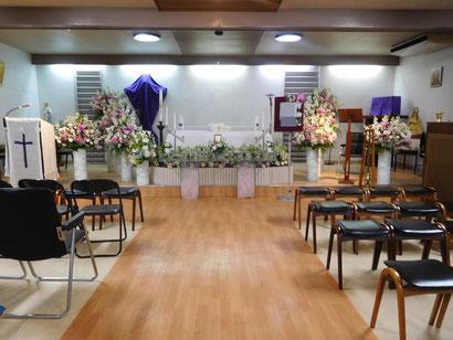 キリスト教会の生花祭壇