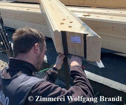 Paßgenuigkeit im Blockhausbau - Eckverkämmung -Luftdichtigkeit - Holzbauweise - Blockhausmontage - Niedersachsen - Hannover - Celle - Blockbohle - Wandaufbau - Massivholz - Göttingen - Wolfsburg - Braunschweig -  Osnabrück - Qualität - Langlebig bauen