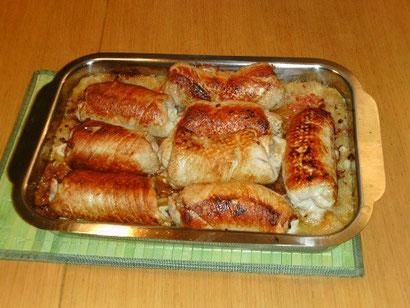 Schweinerouladen auf Sauerkraut