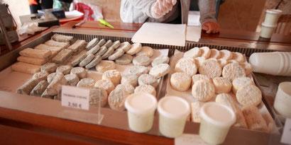 Vente de fromages de chèvre fermiers dans les Deux-Sèvres