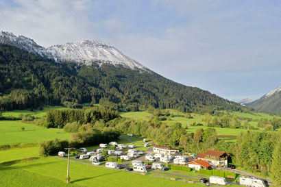 Campingplatz mit Blick auf den Breitenberg
