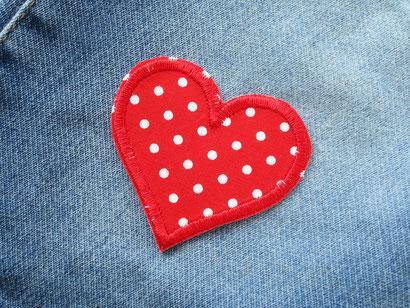 Bild: Herz Flicken Hosenflicken rot Applikation zum aufbügeln Bügelflicken Mädchen