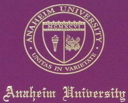 カリフォルニア州アナハイム大学より授与