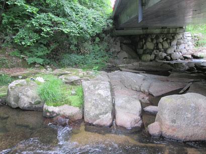 曽慶 滝畳石