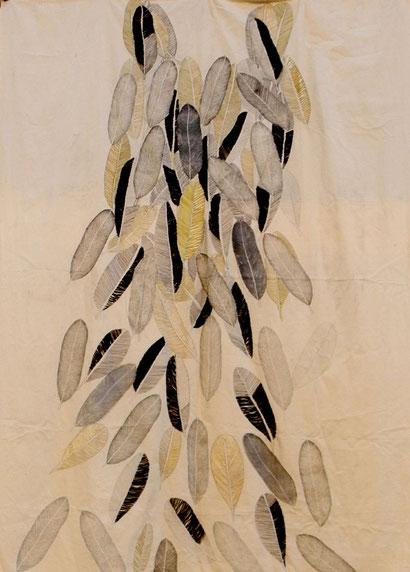 """""""No es verdad que te pese el alma"""" 160. 220 cm. Linograbado , hilo y grafito sobre tela"""
