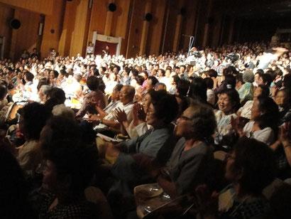 千葉市民会館大ホール百華撰開演から終演まで満席の客席の様子