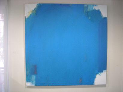 Pilar Valeriano Correa.PAISAJE INTERIOR.130x130cm.Acrílico sobre lienzo. Todo un homenaje a la Virgen María Llena de Gracia.El azul llena el espacio de tela en blanco, como su manto nos arropa en esta vida.Es un paisaje del alma que llena nuestras vidas.