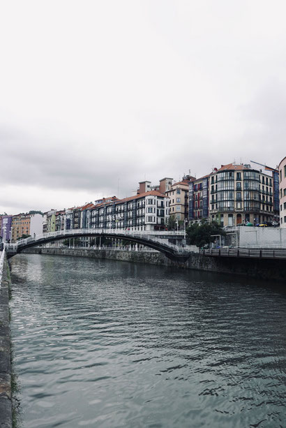 Ein Blick auf den Ría de Bilbao
