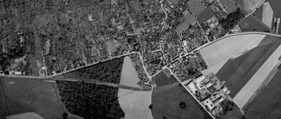 Photo IGN. 1949, construction de la déviation