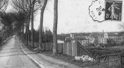 Vers Lagny, à gauche, en contrevas, l'école d'Alembert