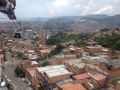 über die Dächer der Armenviertel