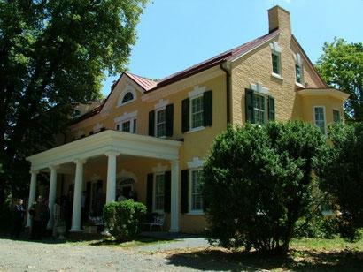 """Das """"Marshall House"""" in Leesburg, Virginia, früher bekannt als """"Dodona Manor"""", war Marshalls Privatwohnsitz von 1941 bis zu seinem Tod 1959 (Bild: MTK)"""