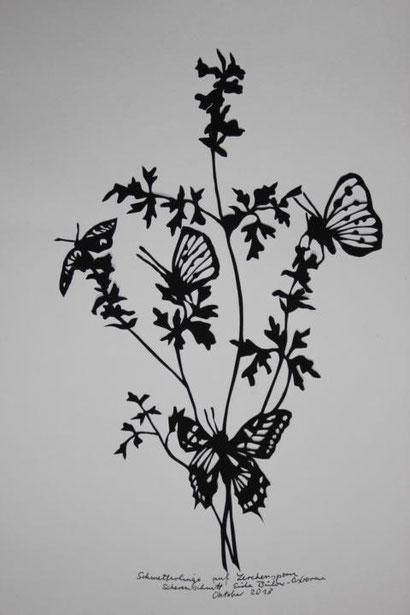 Scherenschnitt Schmetterlinge auf Lerchensporn