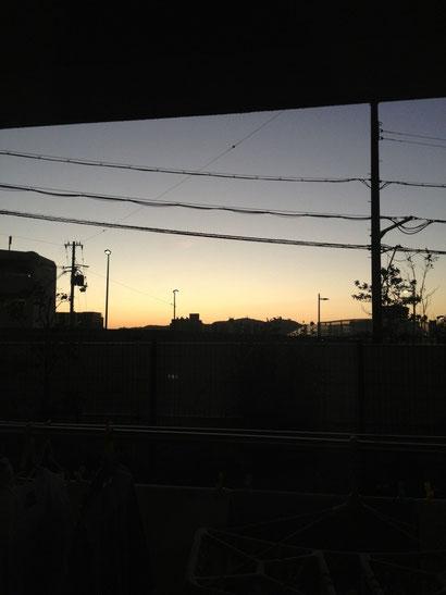 今日の夜明けです。。。
