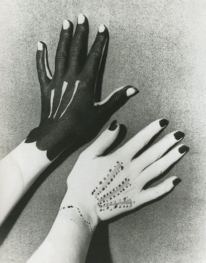 Hands painted by Picasso, photographed by Man Ray, 1929.