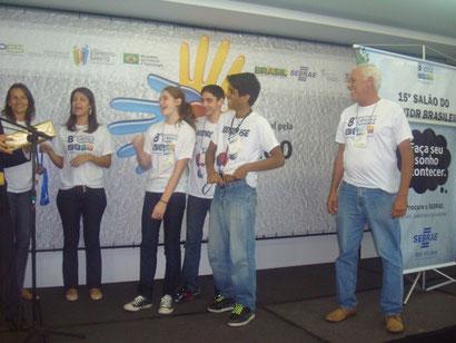 Momento mágico da premiação devido ao grande esforço dos alunos da EEEFM Prof. Filomena Quitiba