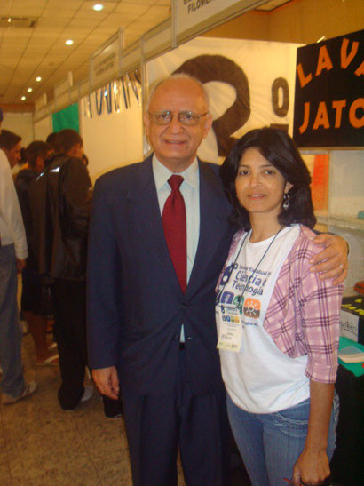 Secretário de Educação do Estado do Espiríto Santo e a Professora de Química da EEEFM Prof. Filomena Quitiba