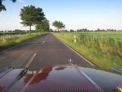 Was gibt´s schöneres als eine freie Landstraße . . . ?