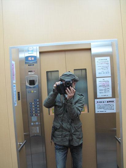 朝5時に函館朝市に向かう。早起きは得意なのである。今日は午前2時に目が覚めた。体調も良くなり、もう何も心配はいらない!
