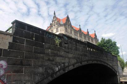 Gertraudenbrücke mit Juwel-Palais