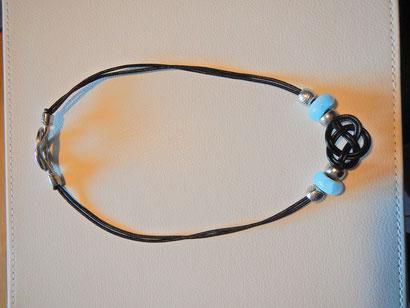 Echtleder Halskette mit Murano Glas Perlen.