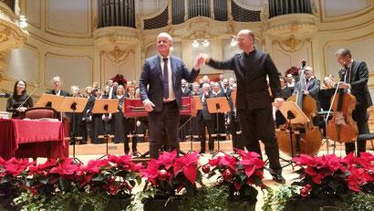 Ein tolles Weihnachtskonzert vom Carl-Philipp-Emanuel-Bach-Chor. Dazwischen Lesungen von Weihnachtsgeschichten, bzw. lustigen Anekdoten mit Hubertus Meyer Burckhardt