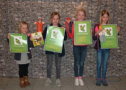 """Auch beim """"Froschkönig"""" dabei: Die Gewinnerinnen des Preisrätsels in der Ostfriesen-Zeitung."""