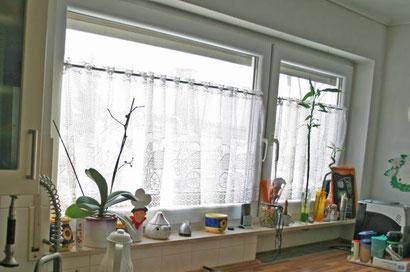 Bei vollgestellten Fensterbänken ist keine Stoßüftung möglich.