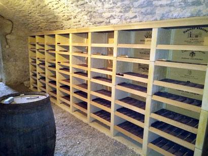 organisation des bouteilles dans sa cave à vins