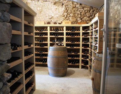 Disposition en colonne d'angle pour vos bouteilles de vin