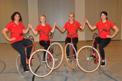 Namen von links: Diana Mantschuk, Alena Bahrke, Carina Christmann und Christina Baddenhausen