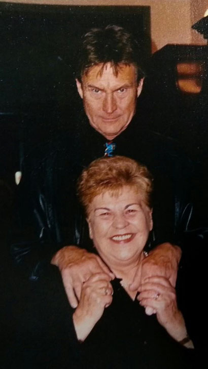 Luisa con il Diabolik cinematografico John Phillippe Law