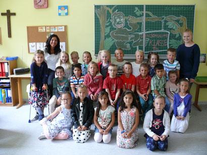 Klasse 1b - Affenklasse - Klassenlehrerin: Frau Uguzes-van Bömmel