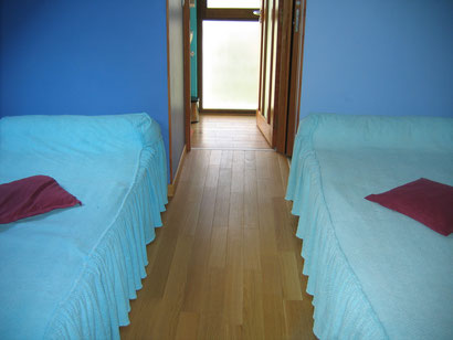 2 lits 90 donnant sur salle de bain 1er étage