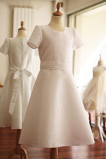 Robe de communion en Jacquard italien ivoire.