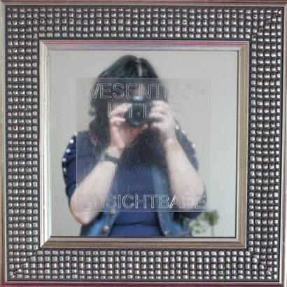 Spiegel mit Gravur in Rhenalonplatte // Holzrahmen 40 x 40