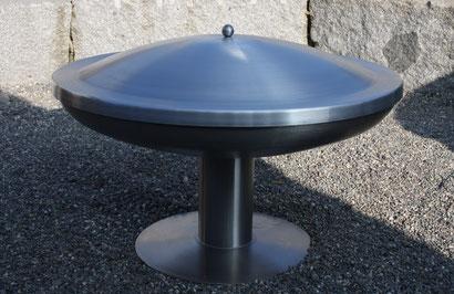 Edelstahl-Feuerschale Form Klöpperboden Ø800mm mit Fussplatte und Aluminiumdeckel