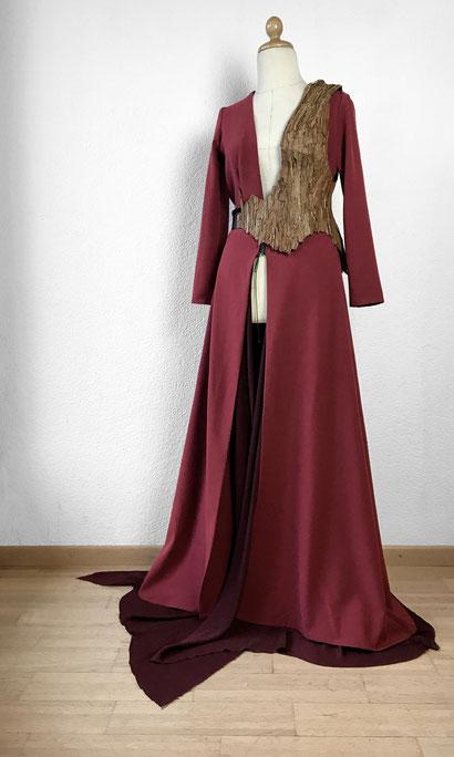 image: nina luca, ninaluca, costume designe, costume designer, cosplayer, swiss cosplayer, schweizer cosplayer, wood corset, elven cosplay, swiss designer, swiss fashion design