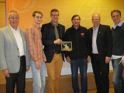 Der Vorstand der Sportjugend: Karl-Heinz Steinmann (von links), Yanneck Keßel, Hajo Rosenbrock, Manfred Wille, Thomas Dyszack und Arne Labitzke