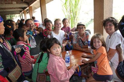 Rencontre avec les enfants du village de Lem...