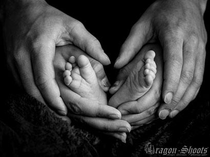 Babybauch; Babybauch-Shooting; Schwangerschaft; schwanger; Neugeborene; Neugeboren; Baby; Babyfotograf; Newborn; fotoshooting; Fotograf; Reutlingen; Tübingen; Bad Urach; Metzingen; Esslingen; Römerstein; Münsingen; Stuttgart; Filderstadt