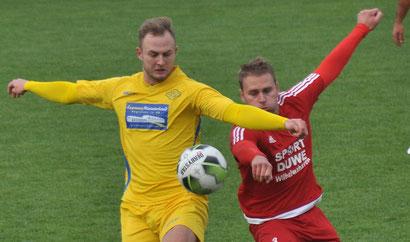 Lukas Siemers verlängerte vorzeitig beim VfL: Er spielt bereits seit 2016 für Germania und erzielte in dieser Zeit 29 Tore in 68 Spielen.