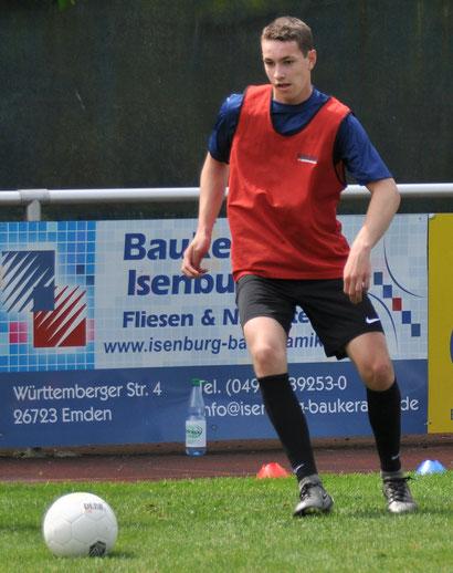 Lukas Berghaus trainierte 2017 bereits als A-Jugendlicher mit dem VfL-Kader. (Foto: Mario Rauch)