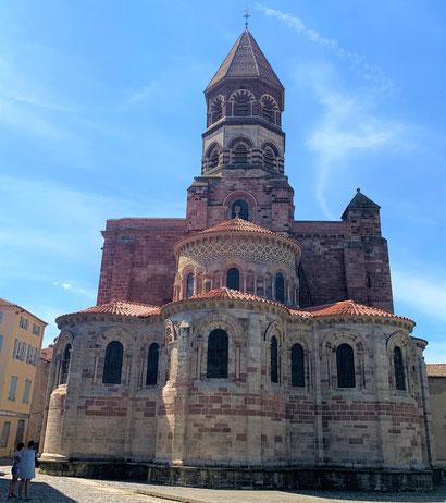 Die imposante Basilika in Brioude