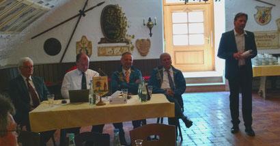 BM Thomas Kleinschmidt (rechts) mit dem Vorstand der IPA Lindau