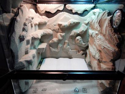 Terrarium Styroporrückwand + Fliesenkleber