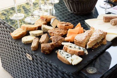 Loire-valley-wine-tours-tastings-wine-local-delicacies-food-near-Vouvray-Amboise