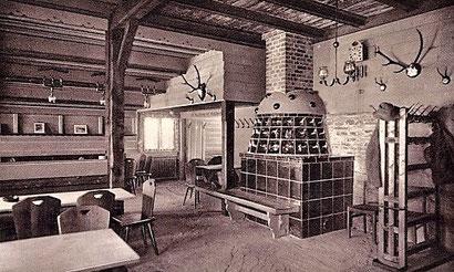 Ansichtskarte mit Blick ins Innere der Skihütte 1938